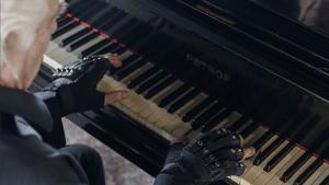 Joao Carlos Martins - Technologie: il rejoue du piano grâce à la science